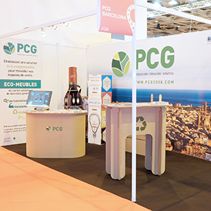 Personalised stands with displays decoration and furniture | PCG Barcelona