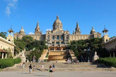 Descubre Barcelona: el Museo de Arte y fuentes de Montjuïc - PCG Barcelona