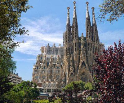 Découvrez Barcelone : la Sagrada Familia - PCG Barcelone
